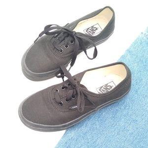 Vans • unisex kids, size 2 black canvas sneakers